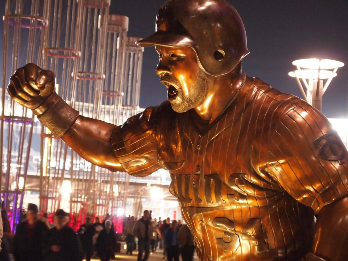 Kirby Puckett Statue at Night